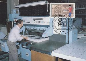 Buchbinder, Maschine