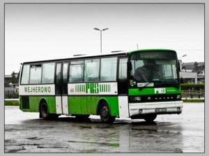 Foto: selective color: grün: Bus