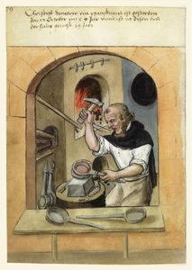 Farbabb.: Ordensbruder stellt im Kloster Eisenpfannen her