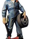 Holzfigur, Automechaniker, Kfz-Mechaniker, Reifenwechsel