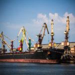 Lettland, Hafen, Kräne, Schiffe, Hafenarbeit