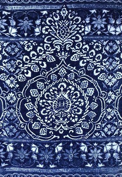 Farbfoto: Stoff mit Blaudruckornament