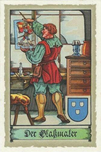 Glasmaler betrachtet sein Werk