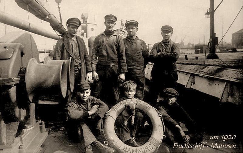 sw Foto: Gruppenbild mit sieben Matrosen