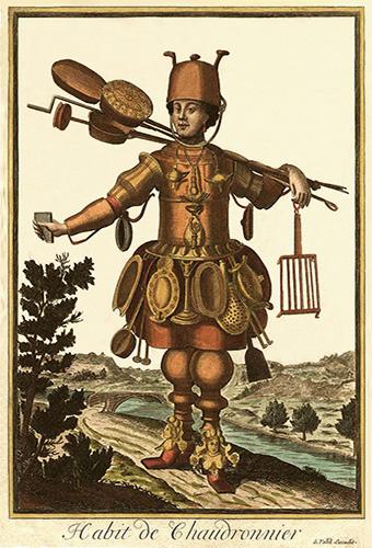 altkolorierter Kupferstich: Kesselschmied bekleidet mit einer Art Rüstung aus Kupferblech, an der seine Produkte befestigt sind - 1695