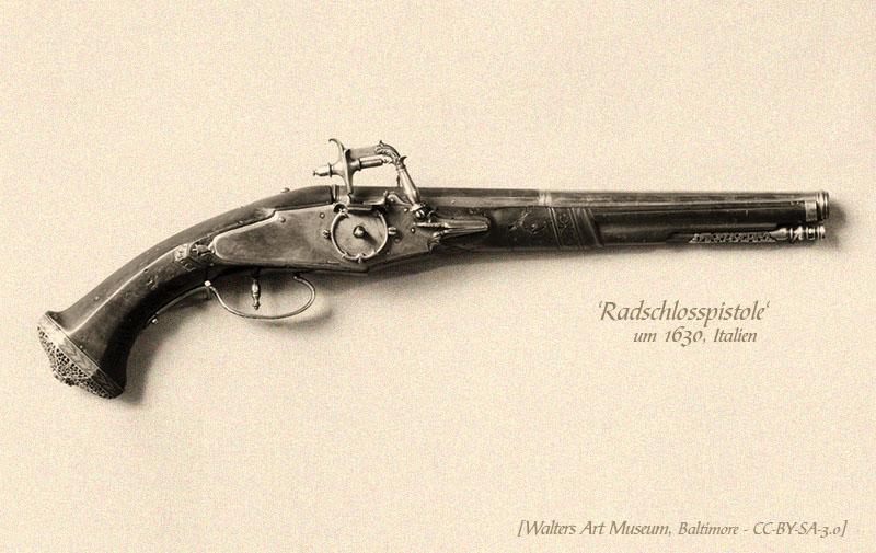 sw Foto: Pistole mit langem Lauf aus Stahl, Holz und Silber