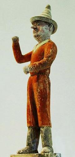 Farbfoto: chinesische Holzpuppe aus dem 7. Jh