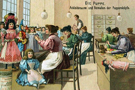 Sammelbild: Puppen werden bemalt und angekleidet - 1910