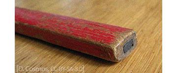 Farbfoto: Ende eines Zimmermannsbleistifts als Nahaufnahme
